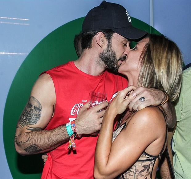 Cristiane Dias e novo namorado, Lucas (Foto: Marcello Sá Barretto/ AgNews)