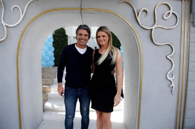 Joao Kleber com a namorada (Foto: Manuela Scarpa/ Foto Rio News)