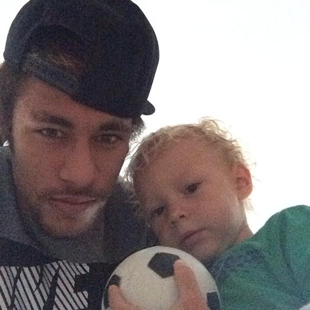 Neymar com os filho, Davi Lucca (Foto: Instagram / Reprodução)