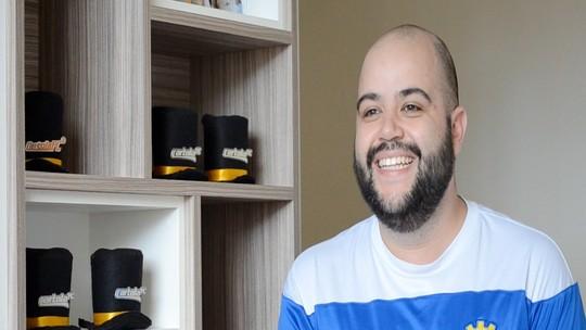 """Cartoleiro fica famoso em multinacional e vira """"consultor"""" com dicas do Cartola FC"""