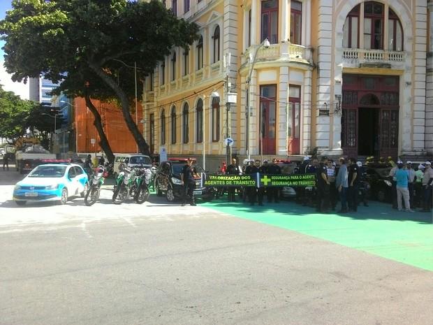 Concentração começou às 9h, na Praça do Marco Zero, no Bairro do Recife (Foto: Eduardo Alves/WhatsApp)