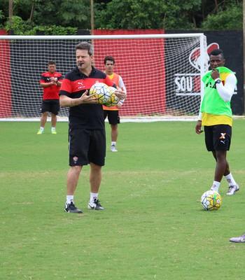 Vitória; treino; Toca do Leão; Argel Fucks (Foto: Francisco Galvão/EC Vitória/Divulgação)