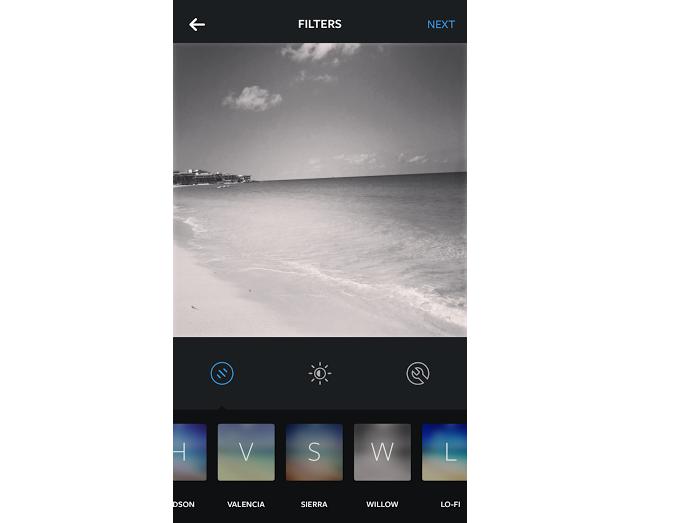 Willow deixa fotos de praia em preto e branco (Foto: Reprodução/Aline Jesus)