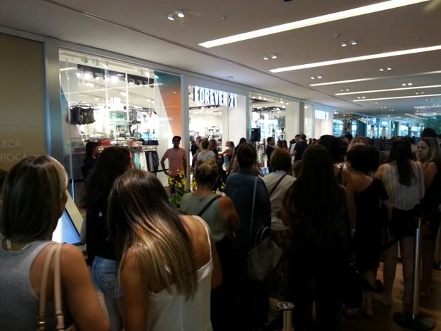 2d41793002e G1 - Inauguração de loja em shopping do Rio atrai centenas de ...