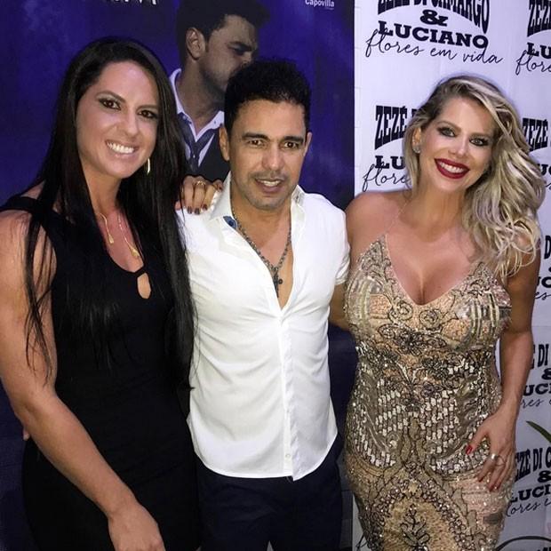 Graciele Lacerda, Zezé Di Camargo e Karina Bacchi, grávida, em bastidores de show em Maceió (Foto: Instagram/ Reprodução)