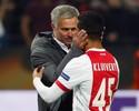 Será? Papo de Mourinho com Kluivert anima torcedores do United; assista