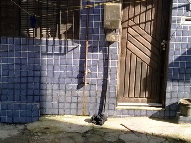 Homem foi morto com sinais de enforcamento em São Vicente (Foto: Arquivo Pessoal)
