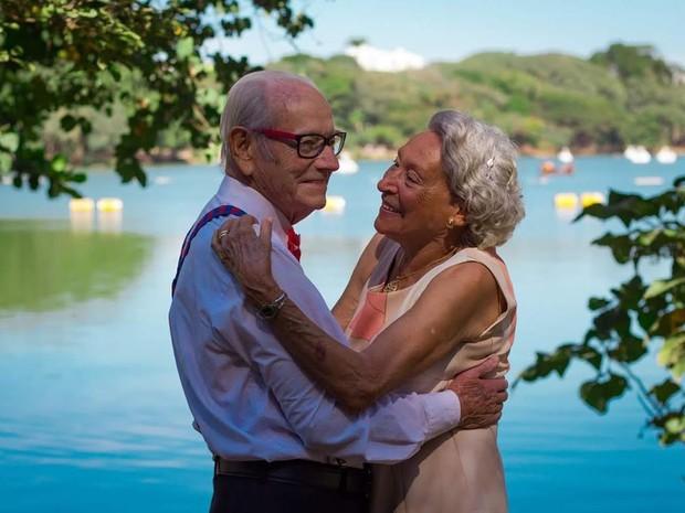Casal completa 65 anos de união com três filhos, 10 netos e 13 bisnetos (Foto: Sara Callegari)