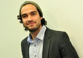 Alfonso Herrera no Rio (Foto: Roberto Teixeira/EGO)