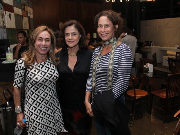 Cissa Guimarães, Marieta Severo e Andréa Beltrão em estreia de peça na Zona Sul do Rio (Foto: Wallace Barbosa/ Ag. News)