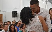 Detentos casam em cerimônia coletiva em presídio de Potim (Camilla Motta/G1)