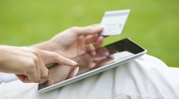 Ter um site compatível com dispositivos móveis é um dos passos para ter sucesso no comércio eletrônico (Foto: Thinkstock)