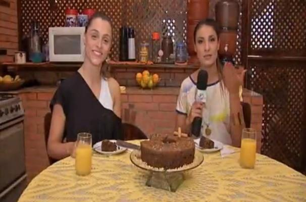 Luiza Módolo, sorocabana que dança no balé do Faustão, ensina receita de bolo light no Jogo de Cintura (Foto: Reprodução / TV TEM)