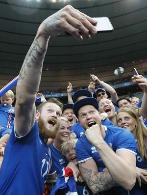 Gunnarsson Islândia x Áustria (Foto: Reuters)