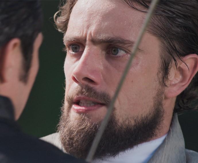 Felipe fica incrédulo com o comentário de Roberto (Foto: TV Globo)