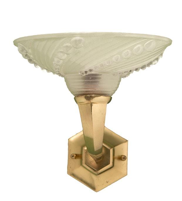 Arandela de bronze e cristal, anos 1930 (Foto: divulgação)