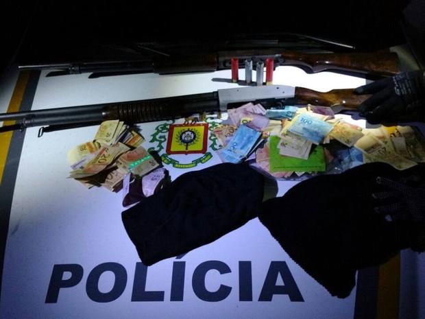 Brigada Militar, assaltos, Banco do Brasil, Sicredi, Nova Roma do Sul (Foto: Divulgação/BM)