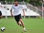 """""""Em casa"""", Paulinho revela ansiedade para substituir Geuvânio no Santos"""