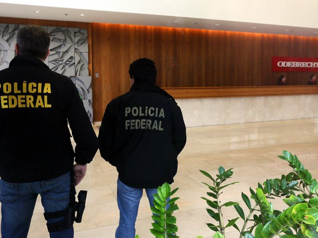 Polícia Federal cumpre mandado na sede da Oderbrecht, em São Paulo (SP), na manhã desta sexta-feira. A ação faz parte da 14ª fase da Operação Lava Jato (Operação Erga Omnes) (Foto: Marcos Bezerra/ Estadão Conteúdo)