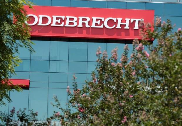 Sede da construtora Odebrecht em Lima, no Peru (Foto: Germán Falcón/EFE)