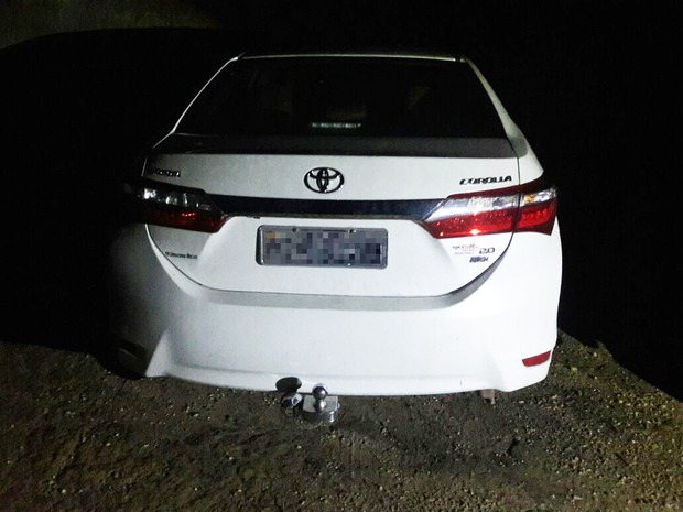 Veículo foi achado perto de um motel ás margens da BR-010 a 120 km do local do crime (Foto: Divulgação/Polícia Civil)