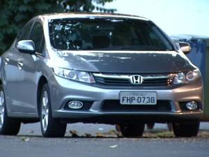 Carro roubado apreendido em blitz com Adriel de Menezes (Foto: Reprodução/ EPTV)