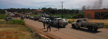 Moradores encerram protesto por morte de jovem no Tabocal (Divulgação/Polícia Rodoviária Federal)
