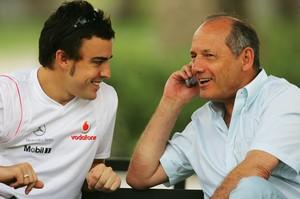 Fernando Alonso e Ron Dennis na McLaren em 2007 (Foto: Getty Images)