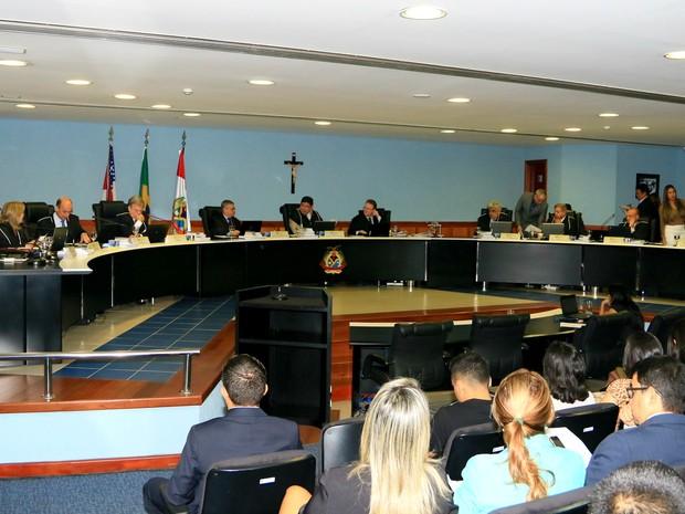 Decisão foi anunciada durante sessão ordinária  (Foto: Divulgação/TCE-AM)