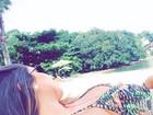 Carolina Portaluppi aproveita sol com biquíni de babadinho