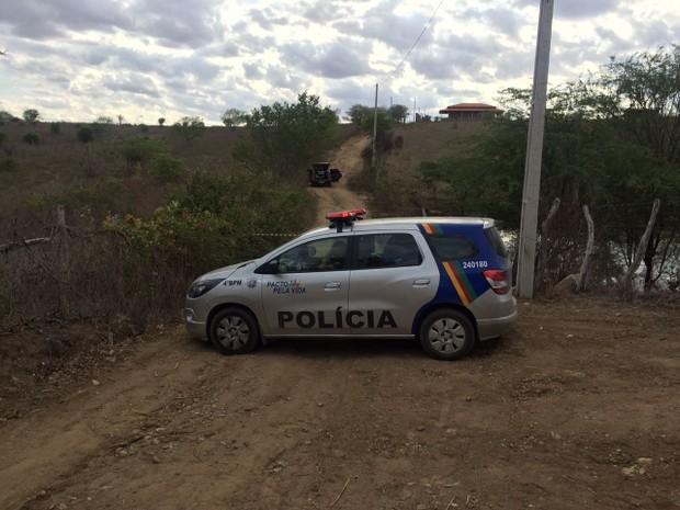 Duplo homicídio é registrado em Caruaru  (Foto: Itthallyne Marques/TV Asa Branca)