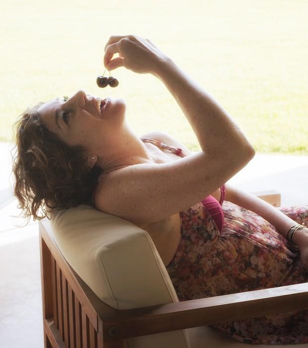 """Consuelo Blocker - """"Mulheres podem ser sensuais aos 50"""" (Foto: Roberto Leone)"""