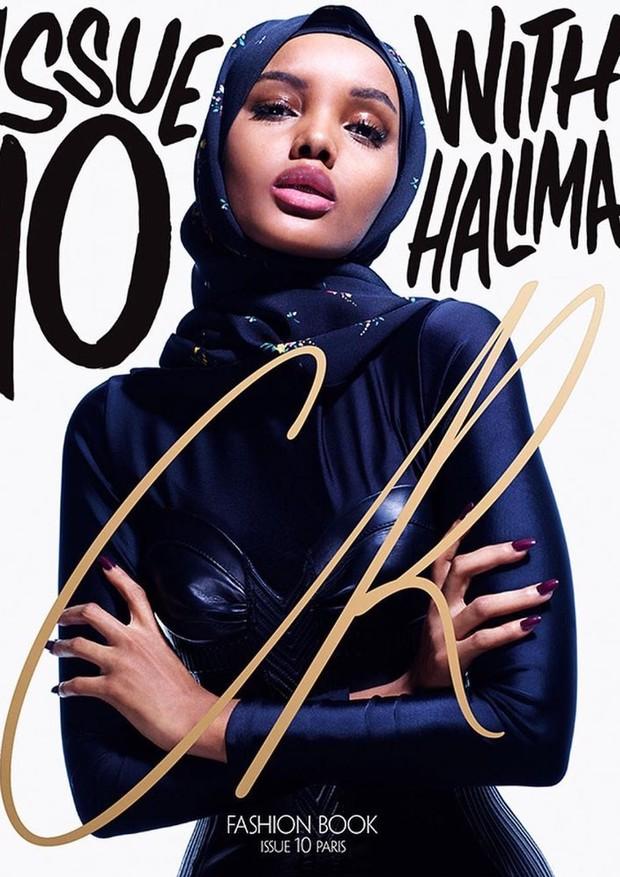 Halima Aden na capa da revista CR Fashion Book (Foto: Divulgação)