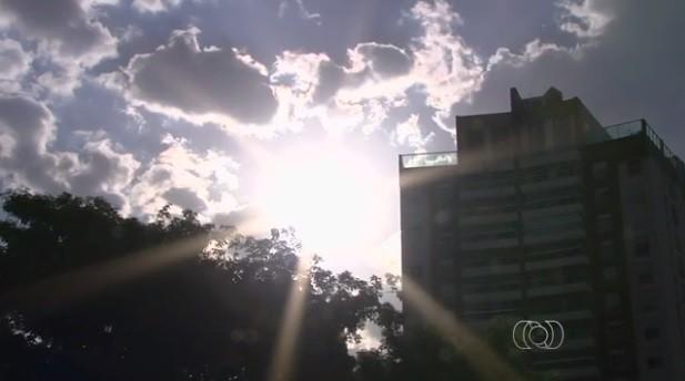 Goiânia, goiás registra 40,4ºC e bate novo recorde histórico de calor, diz Inmet (Foto: Reprodução/TV Anhanguera)
