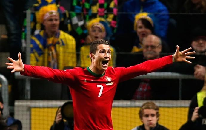 Cristiano Ronaldo comemora, Suecia x Portugal (Foto: AP)