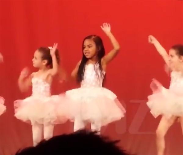 Blue Ivy, filha de Beyoncé e Jay-Z, arrasa em coreografia na escola (Foto: Reprodução / TMZ)