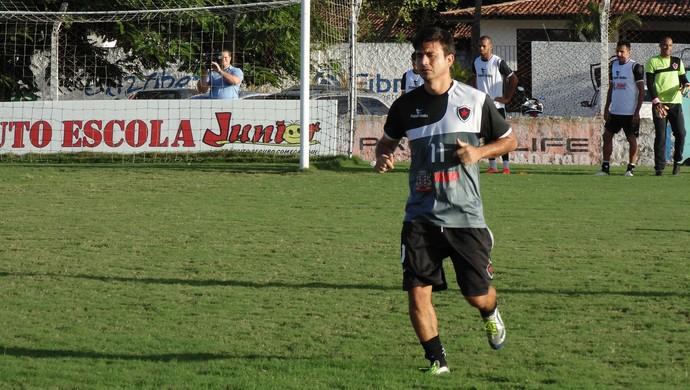Rone Dias, meia do Botafogo-PB (Foto: Divulgação / Botafogo-PB)