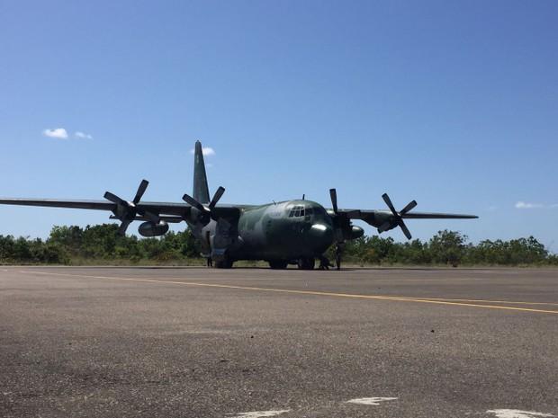 Avião chegou à Base Aérea de Boa Vista às 12h23 (hora de Brasília) (Foto: Inaê Brandão/G1 RR)