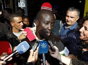 Não posso acreditar, antes não tinha nem cinco euros, disse Ngame (Foto: AP Photo/Javier Alonso)