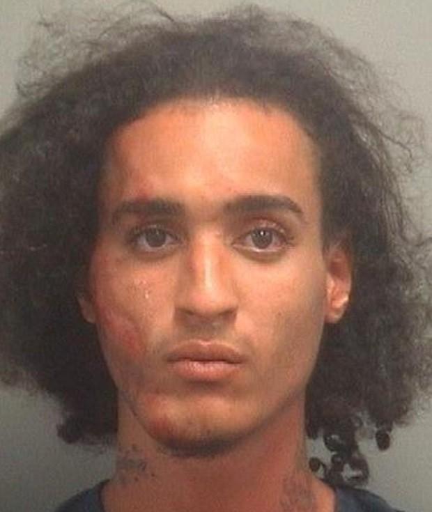 Jordan Bodde tentou escapar da polícia após ser algemado e acabou levando um tombo feio (Foto: Divulgação/Palm Beach County Sheriff's Office)