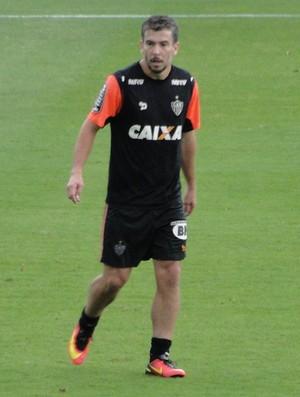 Algoz do Palmeiras no turno, Donizete planeja vitória para confiança voltar