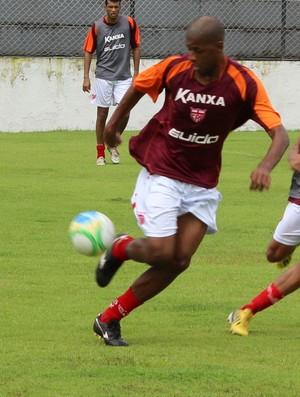 Audálio domina a bola e tenta ultrapassar Rafael (Foto: Caio Lorena / GloboEsporte.com)