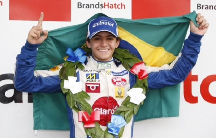 Pietro Fittipaldi comemora mais uma vitória na Fórmula Renault 2.0 BARC (Foto: Divulgação)