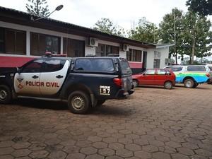 Os dois condutores foram apresentados na Delegacia de Polícia Civil de Vilhena   (Foto: Jonatas Boni/G1)