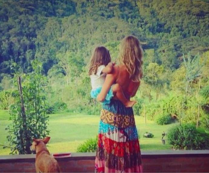 Grazi posa com a filha Sofia, de 4 anos  (Foto: TV Globo)