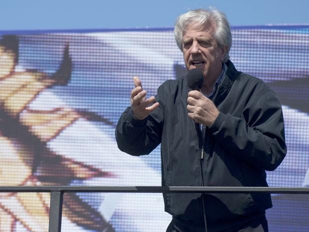 O candidato da Frente ampla à presidência do Uruguai, Tabaré Vázquez, durante discurso em Montevidéu, em 27 de setembro (Foto: AFP Photo/Pablo Porciuncula)