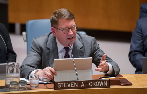 Steve Crown, vice-presidente da Microsoft, fala durante reunião da ONU. (Foto: Rick Bajornas/France Presse)