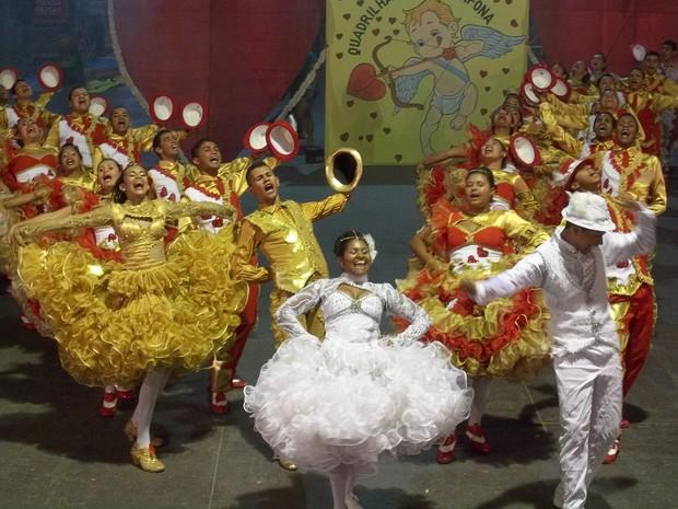 Quadrilhas participaram da primeira noite de Festival em Campina Grande (Foto: Rafael Melo/ G1)
