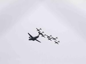 [Brasil] KC-390 e ao menos sete aeronaves sobrevoam São José, SP Voo