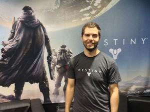 Chris Alderson, designer de personagens de 'Destiny' (Foto: Bruno Araujo/G1)